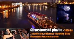 Silvestrovská plavba v centru Prahy